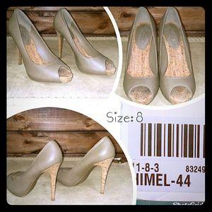 Shoe heeled